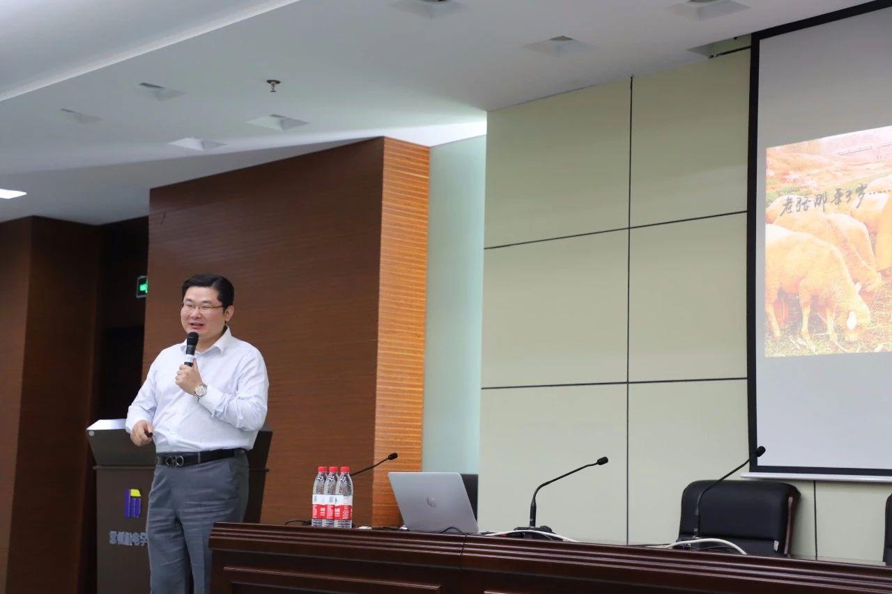生命不息,奋斗不止——峰度控股集团董事长骆国峰创业讲座走进机电学院